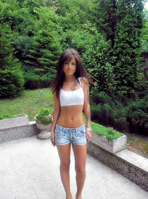 Isaura from Arlington, Nebraska is looking for adult webcam chat